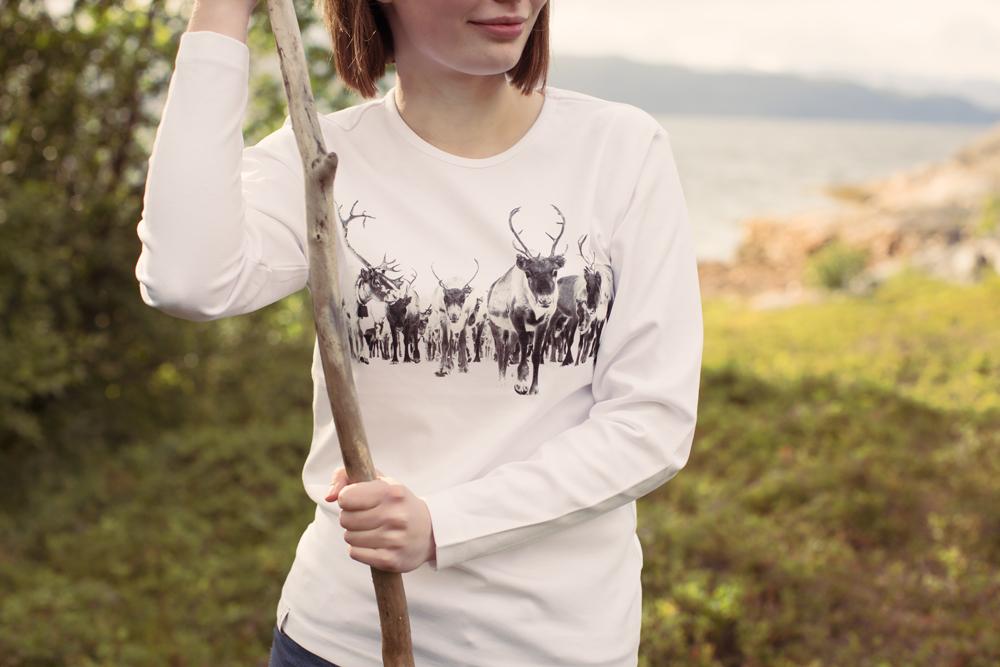 Levering av t-skjorter i Lakselv